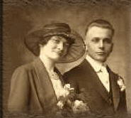 Couple, West Allis, late 1910s